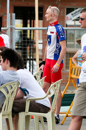 Ben Manson (Petal) looks on - 2005 Giro de Brisbane Cycling Criterium, Carina, Brisbane, Australia; linked to the Abruzzo Club. Photos by Des Thureson: http://disci.smugmug.com
